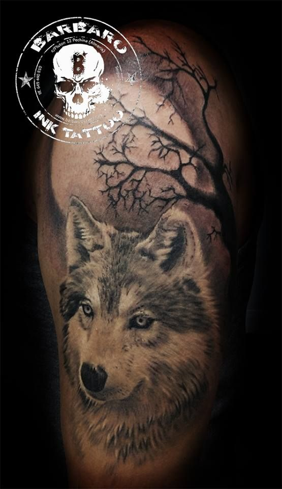 #tattoo #tattooist #tattooed #bestspaintattooartist #blackandgreytattoo #wolftattoo #wolfandmoontattoo