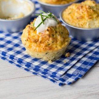 Diese herzhaften Muffins sind wahrscheinlich so ziemlich das Beste, was Sie aus übrig gebliebenen Kartoffeln machen können. Eine ideale Beilage zu deftiger Hausmannskost.
