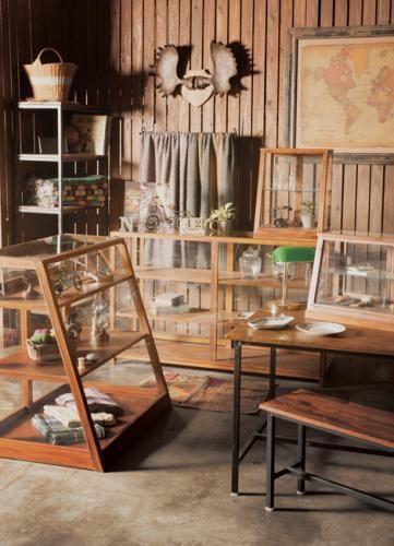 EWIG SHOWCASE B エーヴィヒ ショーケース B - リグナセレクションの収納家具通販 | リグナ東京