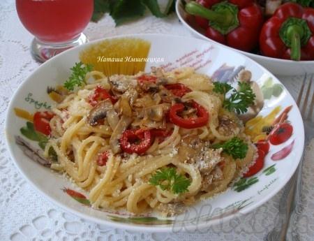 Спагетти с шампиньонами