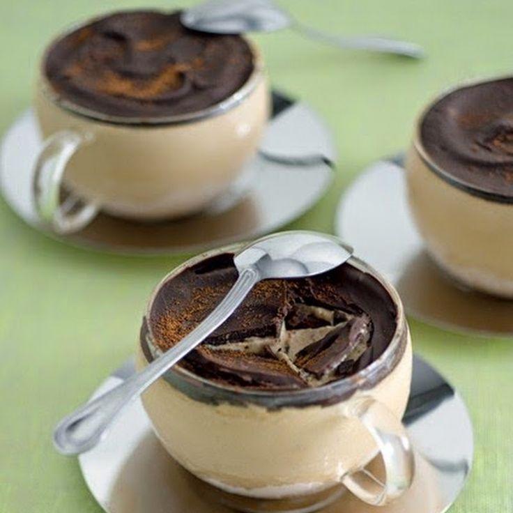 Ingredienti:  per 6 persone           3 dl di panna fresca        15 cl di caffè         60 g di zucchero         80 g di cioccolato fondent...