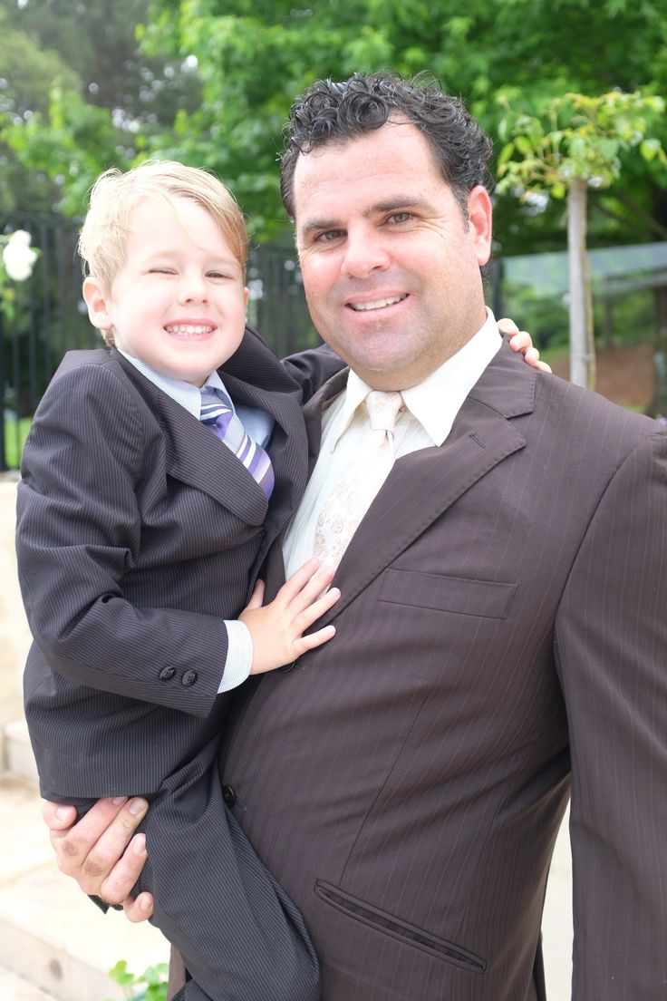 #pageboy #barefoot #cousins #uncle #family #realwedding #pinkwedding #verandahs
