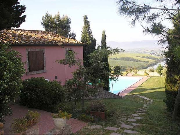 Camilla - Villa rental in Tuscany for your holidays in the heart of Italy. Charming estate set in quiet and panoramic location on the hills surrounding the small town of Volterra whose origins date back to the Etruscan period. This villa to rent in Tuscany, offering beautiful and extensive views over valleys and hills, comprises 12 nice apartments, all of which tastefully furnished in a rustic Tuscan style. #holiday #property #Italy