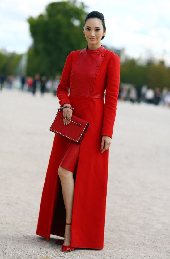 Red Valentino coat: Streetfashion, Red Valentino, Fashion Style, Style Red, Street Style, Red Coats, Wear, Beautiful Red