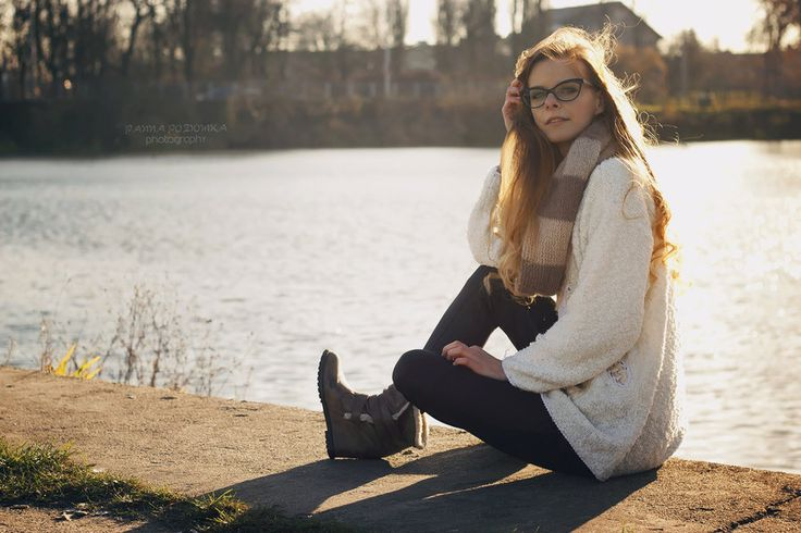 artcharlotte ( @cecyliaprusiska ) by panna-poziomka.deviantart.com on @deviantart #photography #people #polishgirl #fashion #autumn #photoshoot #PANNAPOZIOMKAphotography #lake