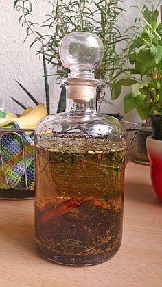Kräuterlikör, ein raffiniertes Rezept aus der Kategorie Haltbarmachen. Bewertungen: 17. Durchschnitt: Ø 4,4.
