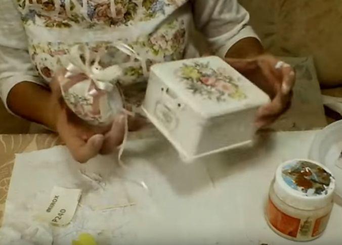 Ольга Жебчук Шкатулочка в стиле шебби-шик с ёлочной игрушкой