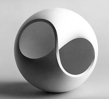 Non-orientational surface (1958–59), Ulm School of Design Archive. Lecturer: Tomás Maldonado; Student: Ulrich Burandt; Photo: Wolfgang Siol.