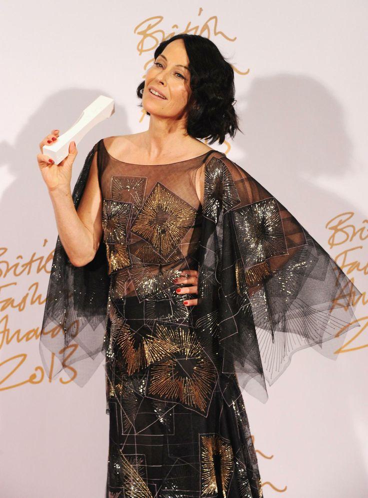Lady Amanda Harlech with the Isabella Blow Award.