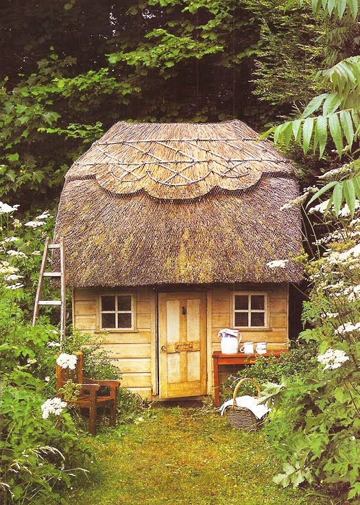 thatch roof cottage
