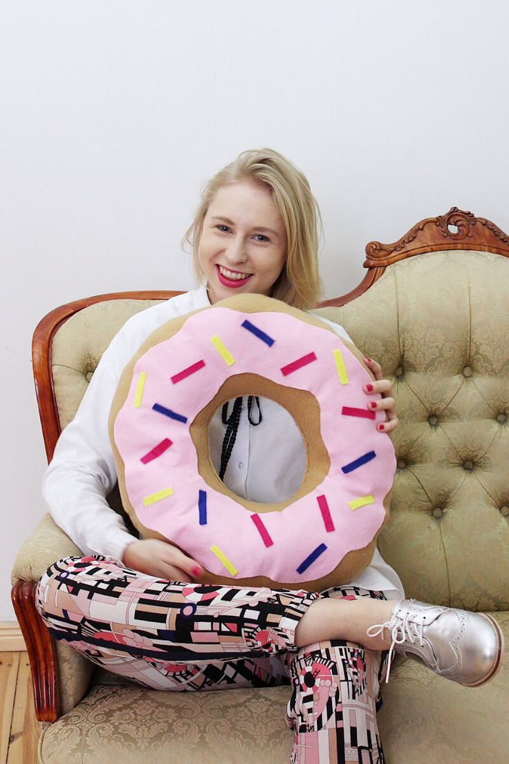 Make Diy Donut Pillows Yourself Small Update With My Spring
