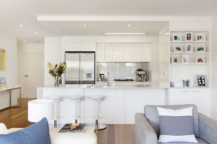 BULIMBA 8/60 Love Street...Situated in a highly regarded riverside Bulimba locale, this contemporary three bedroom apartment appeals to a range of buyers.
