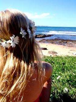 amazing.: Beaches Hair, Flowers Headbands, Flowers Children, Daisies Chains, Summer Hair, The Ocean, Flowers Crowns, Beachhair, Daisy Chain