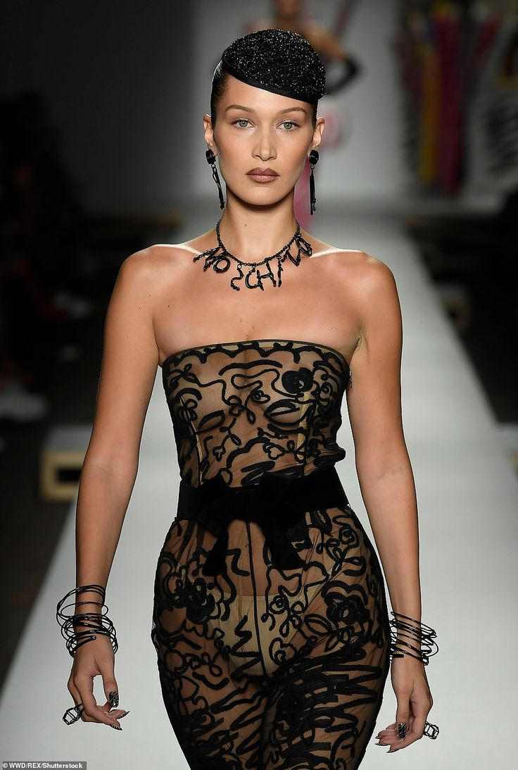 Kendall Jenner joins Bella and Gigi Hadid at Moschino MFW show