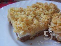 Lahodný koláč s tvarohovo-jablečnou náplní.