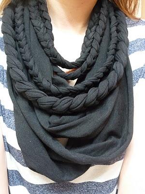 T-shirt scarf I made yesterday. So cozy and comfy!: T Shirts Scarfs, Ideas, Fashion, Diy Scarfs, T Shirts Scarves, Tshirt Scarfs, Braids Scarfs, Diy T Shirts, Crafts