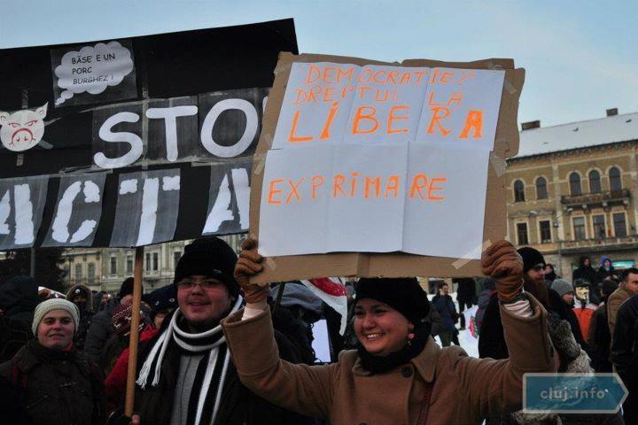 Protest in Romania, Pig head - > Deliric e de vina