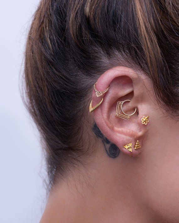 Daith Earring, Daith Piercing, Cartilage Earring, Tragus Jewelry, Helix Hoop, Rook Piercing, Indain Jewelry, 14K Solid Gold, Geometric, 18g