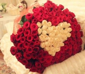 Roses, flowers, bouquet. Learn how to surprise your girlfriend >>> http://justbestylish.com/12-ways-how-to-surprise-your-girlfriend/10/