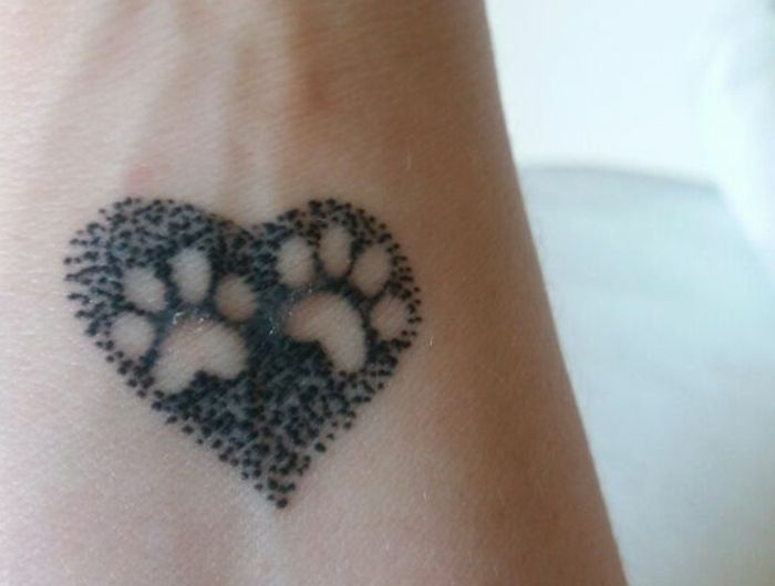 les 25 meilleures id es de la cat gorie tatouage patte de chat sur pinterest tatouage patte de. Black Bedroom Furniture Sets. Home Design Ideas