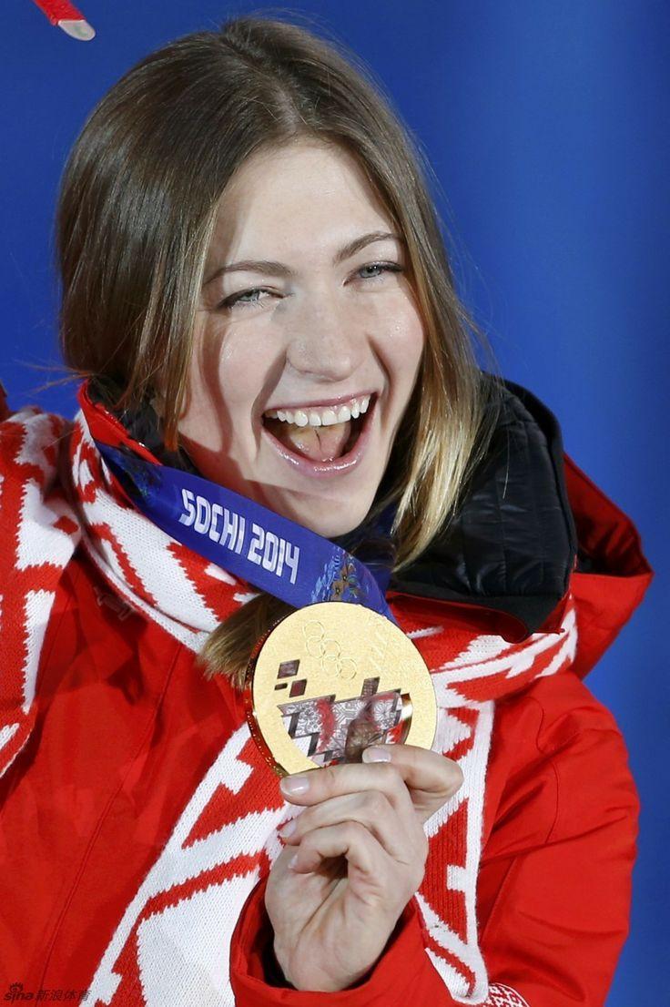 ▼16Feb新浪网|白俄罗斯美女灿烂笑容 http://slide.sports.sina.com.cn/o/slide_2_53064_61096.html#p=4 #sochi2014 #biathlon #Domracheva #Belarus