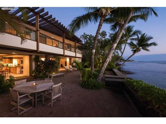 30 best beachfront homes lookbook images on pinterest for Hawaii life real estate brokers