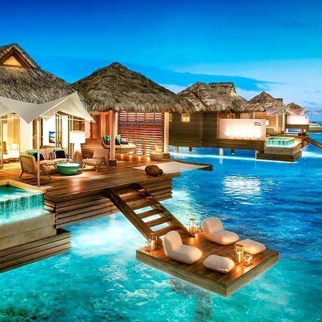 Paradies. Montego Bay Jamaika. Möchten Sie in diesen luxuriösen Bungalowsuiten übernachten?