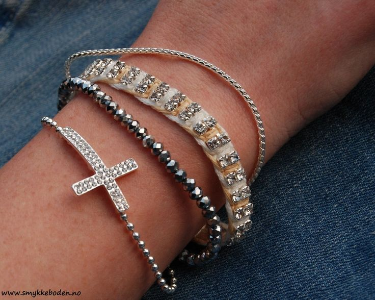 Armcandy Cross Mix from Barfota. NOK 466.- www.smykkeboden.no