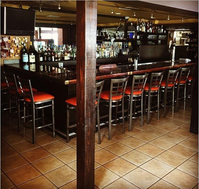 Edgewater Restaurant Hampton Bays New York Find Their
