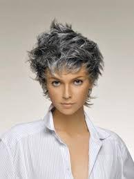 capelli corti grigi moda - Cerca con Google