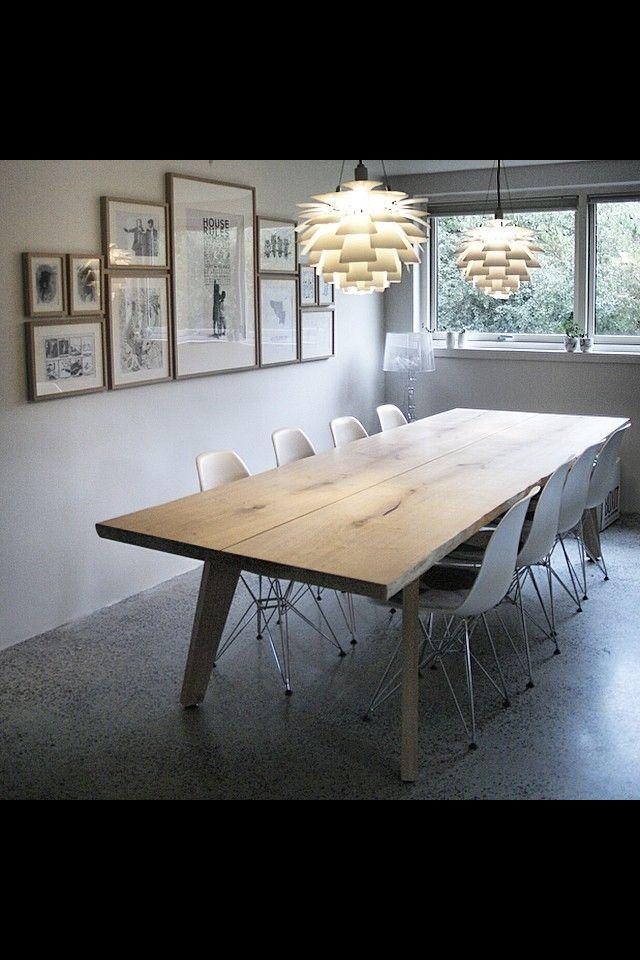 Billedvæg og spisebord
