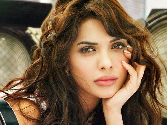 Sara Loren Will Work In Pakistani Movies