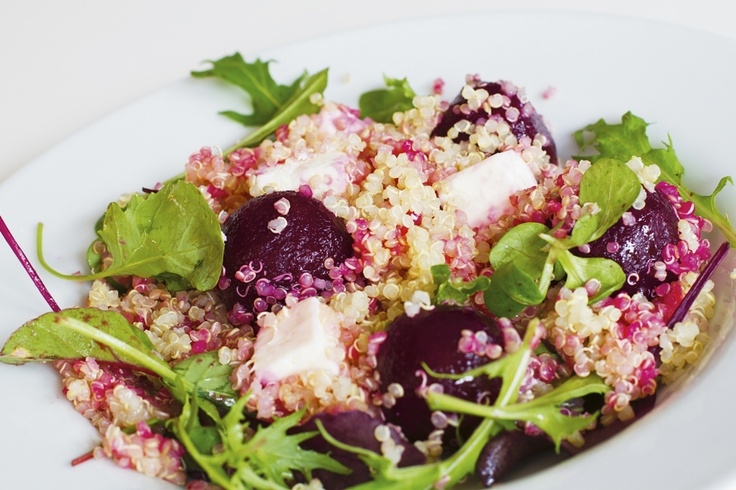 Rödbetssallad med quinoa och feta, http://www.fontana.se/recept/rodbetssallad-med-quinoa-och-feta/
