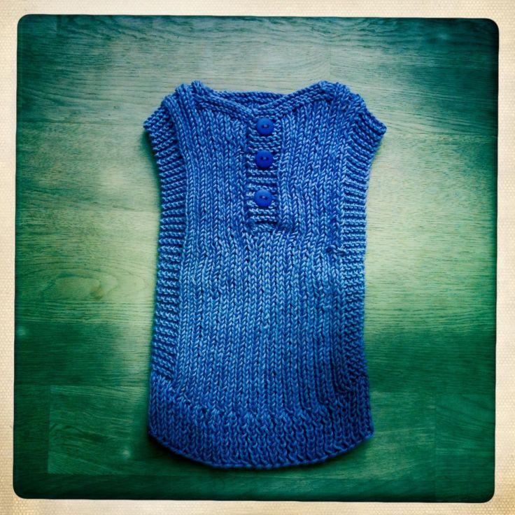Strikket babyvest fra Farmorfabrikken - første projekt for en begynder efter halstørklæder. Fantastisk DIY vejledning