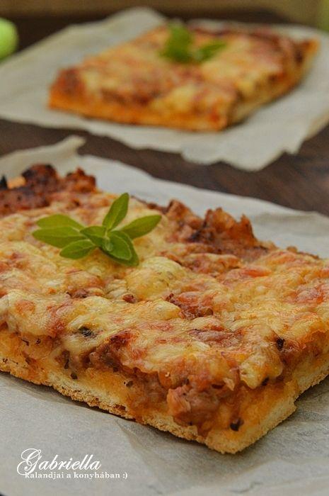 Gabriella kalandjai a konyhában :): Bolognai tepsis pizza