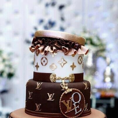 I want this for my next milestone Birthday!!!! This takes the cake!