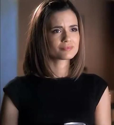Melissa Hastings from PLL - Love her short hair