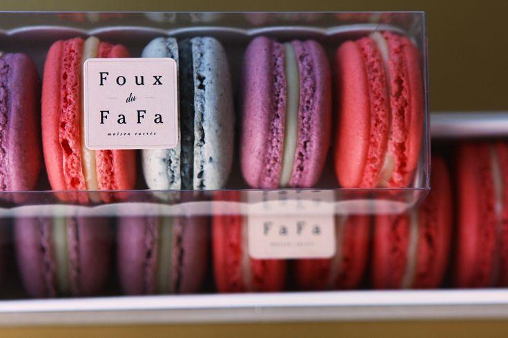 Visual identity > FOUX du FAFA maison sucree /// by Mikina Dimunova #bakery #macarons #cake #colors #brand #identity #logo #delight #box #london #patisserie #frenchmacarons #mikinadimunova