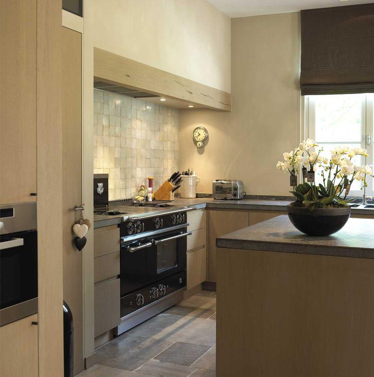 keuken muurbekleding - strak - warme uitstraling