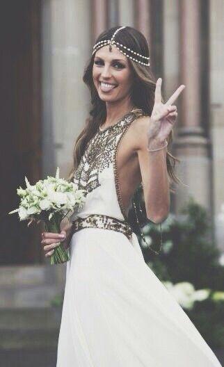 Boho Weding Dress | Inspiración looks de #novias y #bodas #bohochic #fashion…