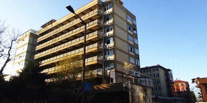 Emlak Konut'un satışa çıkardığı Bakırköy Doğum Hastanesi'nin arsasına 62 milyon lira teklif geldi. A...