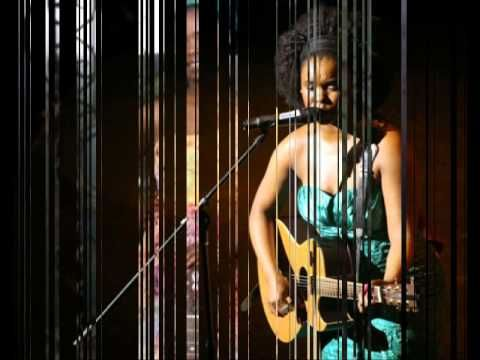 Zahara is an Afrosoul singer from South Africa, she sings in her native tongue Xhosa and English. She plays an Acoustic guiter and writes her own music. She broke a record in SA when her Album Loliwe, a debute album went platnum in 2 weeks. She also won 8 SAMA awards, thus best new comer, best produced album, song of the year and more.  This is t...