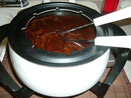les 17 meilleures images du tableau la fondue sur pinterest recette fondue recettes du quebec. Black Bedroom Furniture Sets. Home Design Ideas