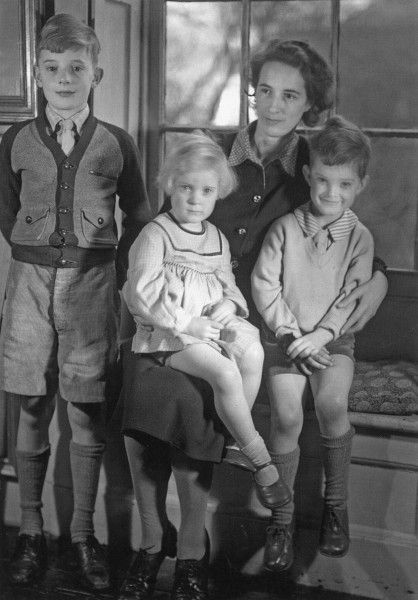 One of the last photographs of the artist Tirzah Ravilious with her children, John, Anne and James