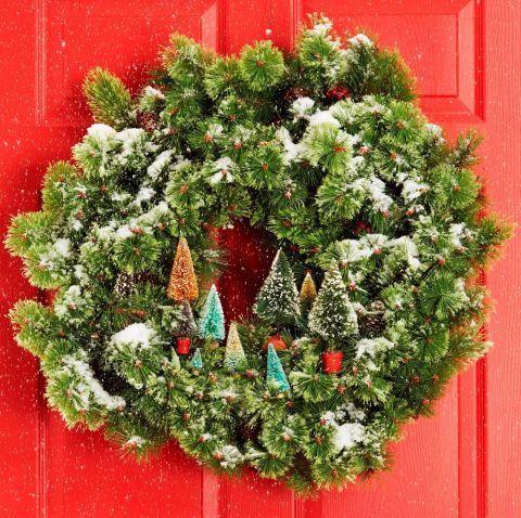 Karácsonyi kopogtató | Forrás: goodhousekeeping.com