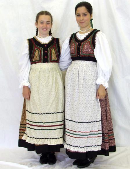 Mezőségi  magyar népviselet - Erdély.