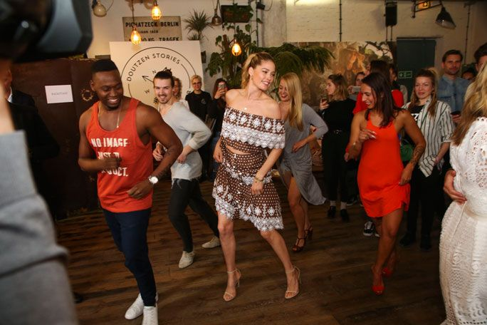 Doutzen dancing the salsa! #doutzen #doutzenkroes #hunkemöller #event #berlin #model #bikini #swimwear #fashion