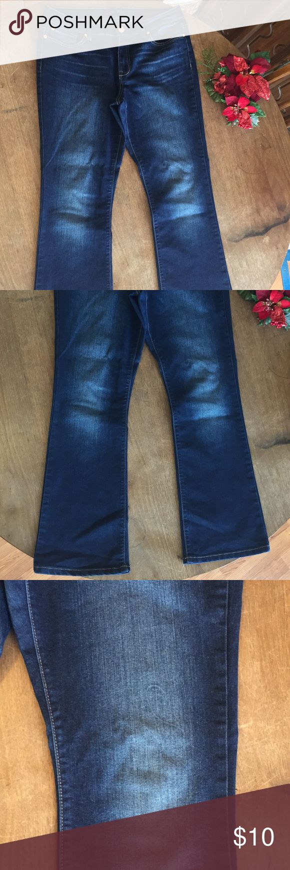 "Code Bleu soleil bootcut Jeans 10 petite Great stylish jeans in a dark blue with stylish fading. Appears a thread got got on the jeans when the manufacturer dyed them, pictured. Minimally noticeable. Nice bootcut silhouette. 29"" inseam. 🎁Bundle for a discount Code Bleu Jeans Boot Cut"