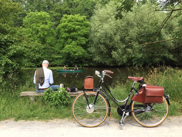A good start of the week with a beautiful picture from Juliana, enjoying Münster surroundings with her  e-bike Chrome & Wood.  #ebike #cyclechic #luxury #bicycle Have a nice week!