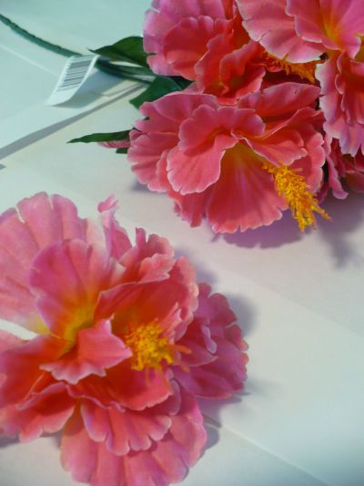 Dollar Store Crafts » Blog Archive » Make Silk Flower Bulletin Board Pins
